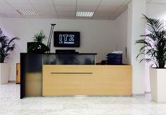 Empfangstheke - Sonderanfertigung by kühnle'waiko #office #officespace #entrance