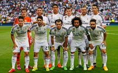 A Santiago Bernabéu stadion Madridban található. A Real Madrid otthona. Építése 1944 -ben kezdődött. A nevét 1955. január 4-én kapta a Real Madridtól az akkori elnök, Santiago Bernabéu tiszteletére. Sokan azt állítják, hogy ez a világ legjobb stadionja.