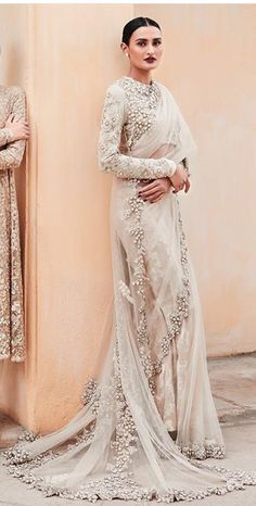 Indische Standesamt Ana collection Caring For Your Suit Suits are one of the most expensive clothing Pakistani Formal Dresses, Indian Dresses, Indian Outfits, Indian Clothes, Desi Clothes, Indian Bridal Fashion, Indian Bridal Wear, Indian Wear, Christian Wedding Sarees