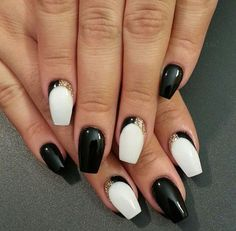You seem to be a perfectionist who never fails to dress her nails with classy Black Nail Art Designs and Ideas. Hot Nail Designs, Cute Acrylic Nail Designs, Cute Acrylic Nails, Art Nails, Black And White Nail Designs, Black White, White Gold, Big Black, White Style