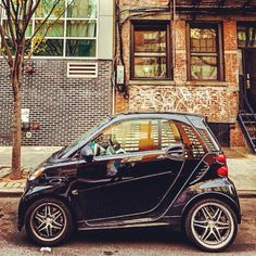 A little smart via Brooklyn... – Instagram picture by @ampuopolo