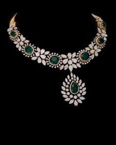 Really like these diamond necklaces 9607 Diamond Necklace Set, Diamond Pendant, Diamond Jewelry, Gold Jewelry, Fine Jewelry, Emerald Necklace, Emerald Diamond, Diamond Bracelets, Sapphire