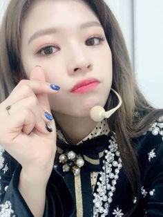 photos of the nation's girl group twice ! Twice Jungyeon, Twice Kpop, South Korean Girls, Korean Girl Groups, My Girl, Cool Girl, Minatozaki Sana, Hirai Momo, Someone Like You