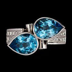 A blue topaz and brilliant cut diamond ring, 18k white gold. Size 17.5/55.. - Vintage & Jewellery, Stockholm S200 – Bukowskis
