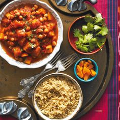 This slow cooker moroccan vegetable stew recipe is hearty, warming and easy to prepare. Vegetable Stew Slow Cooker, Slow Cooker Stew Recipes, Best Slow Cooker, Crockpot Recipes, Cooking Recipes, Slow Cooking, Veg Stew, Cooking Time, Tomatoes