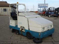 #usedforklifts #materialhandling #tennant Tennant 8410 Used Forklift / Year: 2006 / Mast: 0 / 0 TSU / LPG, SWEEPER/SCRUBBER - CALL 952-492-3900