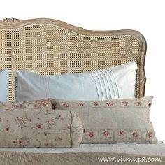 Cabecero rejilla Headboard Ideas, Headboards, Bed Pillows, Pillow Cases, Restoration, Bedroom, Interior, House, Furniture