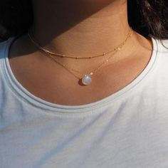 Dainty Moonstone Necklace in Silver, Gold and Rose Gold - 보석하고 쥬얼리 - Schmuck Silver Necklaces, Silver Earrings, Silver Jewelry, Jewelry Necklaces, Silver Ring, Silver Bracelets, Jewellery Box, Diamond Earrings, Jewellery Shops