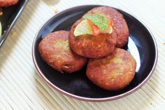 Shami kabab recipe is a great dish that can be served as an appetizer, snack or as a side dish with biryani. It is so simple and easy to make yet so tasty. Indian Food Recipes, Asian Recipes, New Recipes, Real Food Recipes, Cooking Recipes, Ethnic Recipes, Family Recipes, Recipies, Shami Kabab