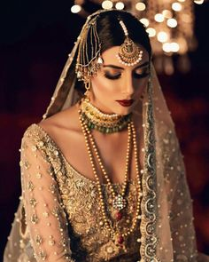 If you are going to be a bride soon and already know what you'll be wearing on your functions, then the next step is getting the perfect wedding makeup. Here are some Indian bridal makeup images to help you pick what you want. Bridal Makeup Images, Indian Bridal Makeup, Bridal Makeup Looks, Asian Bridal, Wedding Makeup, Pakistani Wedding Outfits, Pakistani Bridal Dresses, Bridal Outfits, Indian Outfits