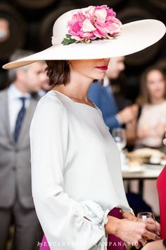 Pamela Wedding Guest Style, Chic Wedding, Phresh Out The Runway, Modest Fashion, Fashion Outfits, Occasion Hats, Fascinator Hats, Fascinators, Headpieces