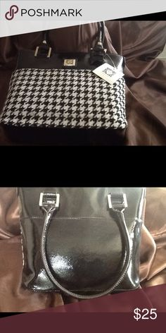 Anne Klein tote🎀 Black and dog tooth checked tote💕💕 Bags Totes