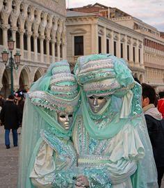 Karneval in Venedig 2014 – Beginning von Christoph Schrenk