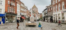 For history and small town lovers, Kingston-Upon-Thames is the perfect day trip away from the London madness. Just 30 minutes from the city, here is all you need to know! The post A Day Trip to: Kingston-upon-Thames appeared first on Mixing Passports. Kingston London, Kingston Upon Thames, Passport Travel, Last Minute Travel, London Travel, Day Trip, Small Towns, Studying, Madness