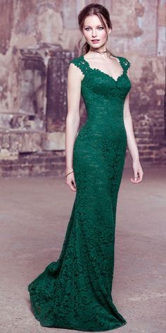 Attractive Lace V-neck Neckline Natural Waistline Floor-length Mermaid Bridesmaid Dress