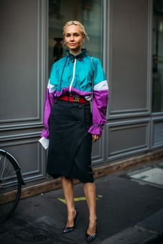 The Best Street Style Looks From Paris Fashion Week Spring 2019 - Fashionista Street Style Trends, Street Style Summer, Street Style Looks, Grunge Look, Style Grunge, 90s Grunge, Soft Grunge, Grunge Outfits, Urban Fashion