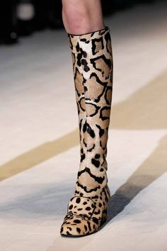 I've always been a sucker for an animal print shoe - but a boot hybrid? Sublime at Gucci | Fall 2014 Ready-to-Wear Collection | Style.com