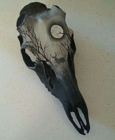 (Not pyrography, but COULD be!) Deer skull shed buck hand painted with buck by BoneCanvas on Etsy Deer Skull Art, Painted Deer Skulls, Skull Hand, Deer Skull Drawing, Bear Skull, Rabe Tattoo, Totenkopf Tattoos, Antler Art, Neue Tattoos