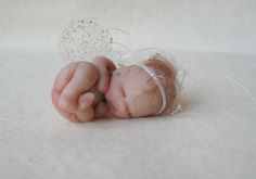 Tiny baby Angel. Handsculpted by Lisa Haldeman ~ Lovinclaydolls