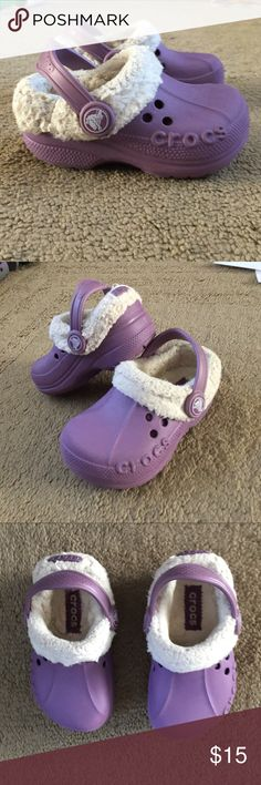 Toddler girls winter crocs size 6/7 These crocs are super cute and in great condition. They have a removable liner which is super warm. CROCS Shoes Sandals & Flip Flops
