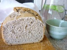 Kváskový špaldový chlieb z domácej pekárne Bread Recipes, Basket, Brot, Bakery Recipes