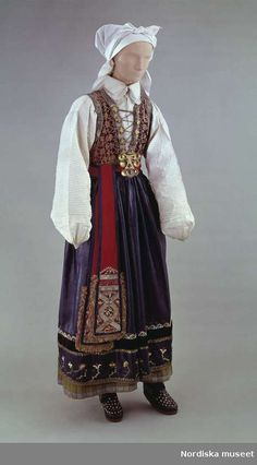 Kvinnodräkt, högtidsdräkt från Östra Göinge härad, Skåne| Wåger, Ulla Ethnic Outfits, Ethnic Dress, European Costumes, Historical Clothing, Folk Clothing, Frozen Costume, Swedish Fashion, Folk Costume, Traditional Outfits
