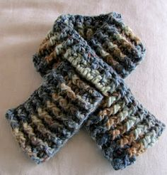 A Child's Pull-Through Scarf: Crochet Pattern