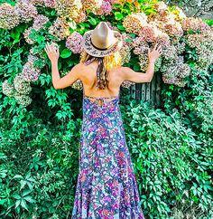 Julie et les tropéziennes, les robes de Saint Tropez Made in France Saint Tropez, Julie, Made In France, Cowboy Hats, Strapless Dress, Chic, Dresses, Fashion, Gowns