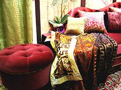 Orientalischer Stil: Kissen und Stoffe