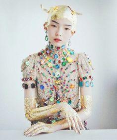 Dolce & Gabbana's jewelled lace dress. Friday joy!