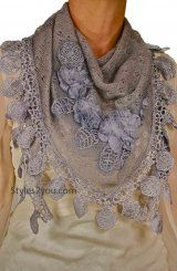 Vintage Rose Scarf In Gray