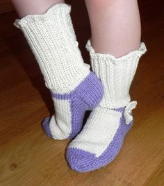 DSCN9345 Slippers, Socks, Knitting, Crochet, Modern Patterns, Fashion, Moda, Tricot, Fashion Styles