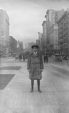 Irish boy arrived in New York [1920]