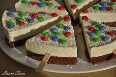 Tort Philadelphia sub forma de braduti Romanian Food, Romanian Recipes, Philadelphia, Gingerbread, Deserts, Food And Drink, Cheesecake, Pudding, Christmas