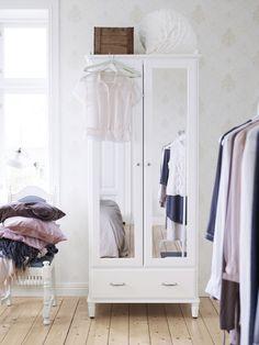 Créez une ambiance calme et #cosy dans votre #chambre avec la série de #meubles TYSSEDAL. http://www.ikea.com/fr/fr/catalog/products/00298128/ #IKEA #décoration #nouveau #blanc #intérieur