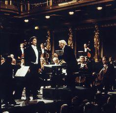 Thomas Hampson answers the Gramilano Questionnaire… Singers' Edition Singers, Concert, Music, Musica, Musik, Concerts, Muziek, Music Activities, Singer
