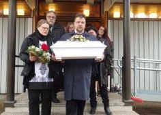 Nopolanews - In memoriam - Toivo Lampila saateltiin haudan lepoon