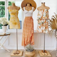 Clothing Boutique Interior, Clothing Store Design, Boutique Decor, Girl Outfits, Cute Outfits, Fashion Outfits, Look Fashion, Korean Fashion, Clothes Mannequin