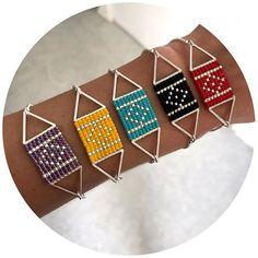 version portée ! la collection de bracelet ABBY est disponible dans la nouvelle boutique en ligne emjyshop.etsy.com #nouveautes #emjy #createur #createurfrancais #bijoux #bijouxaddict #miyuki #miyukibeads #miyukiaddict #perles #jenfiledesperlesetjassume #faitmain #faitmainvaldoisien #madewithlove #jewelryaddict #share #enjoy #etsy #silver #geometrie #triangle #tissage #squarestitch