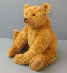 Gregory Gyllenship, Teddy Bear Artist, designer and maker of distinguished and characterful Bears Old Teddy Bears, Antique Teddy Bears, Plush Animals, Felt Animals, Stuffed Animals, Teddy Bear Design, Charlie Bears, Love Bear, Bear Art
