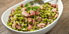 Peas with bacon and herb butter Side Dish Recipes, Side Dishes, Salsa Fresca, Baked Fish Fillet, Herb Butter, Smoked Bacon, Quick Easy Meals, Pasta Dishes, Italian Recipes