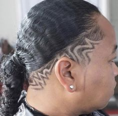 Mickey Da Barber is a master barber providing Luxury Barber Service to the Los Angeles community specializing in Fades, Designs and Custom Hair Unit. Hair Tattoo Men, Hair Tattoos, Hair Unit, Master Barber, Fresh Hair, Hair Cuts, By, Hair Styles, Haircuts