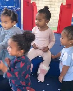 Stormi and Her Kousins! Kylie Jenner's Daughter Has Adorable Playdate with True, Dream and Chicago — People Dream Kardashian, Kardashian Jenner, Kylie Jenner Makeup, Kendall And Kylie Jenner, Beautiful Children, Beautiful Babies, Las Jenner, Jenner Girls, Cute Black Babies
