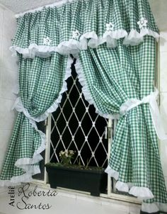 Diy Crafts - Kitchen Curtains - Choosing From the Many Different Styles - Life ideas Kitchen Curtains And Valances, Lace Curtains, Gingham Curtains, Cortinas Country, Beautiful Home Gardens, Rooster Kitchen, Country Curtains, Curtain Patterns, Window Treatments