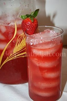 Southern Strawberry Sweet Iced Tea....this is so amazing!!