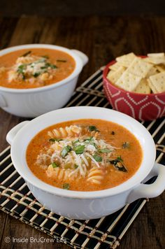 Creamy Italian Tomato Soup - this easy 30 minute meal is loaded with veggies, meat, and pasta. Great comfort food recipe for an easy dinner! from @brucrewlife