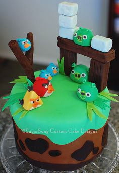 "Angry birds cake.  I almost want to pin this in ""eye candy""!  A wonderful example  of SugarSong's talent."