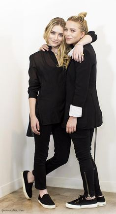 Mary-Kate & Ashley Olsen pretty in black