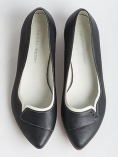 Ninna black flats by natalievetamar on Etsy Cute Flats, Cute Shoes, Me Too Shoes, Cinderella Shoes, Best Flats, Black Flats, Types Of Shoes, Womens Slippers, Ideias Fashion