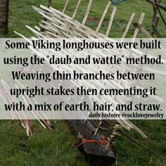 wattle and daub houses Vikings Time, Norse Vikings, Real Vikings, Norse Pagan, Norse Mythology, Viking Facts, Viking Reenactment, Viking Culture, Viking Age